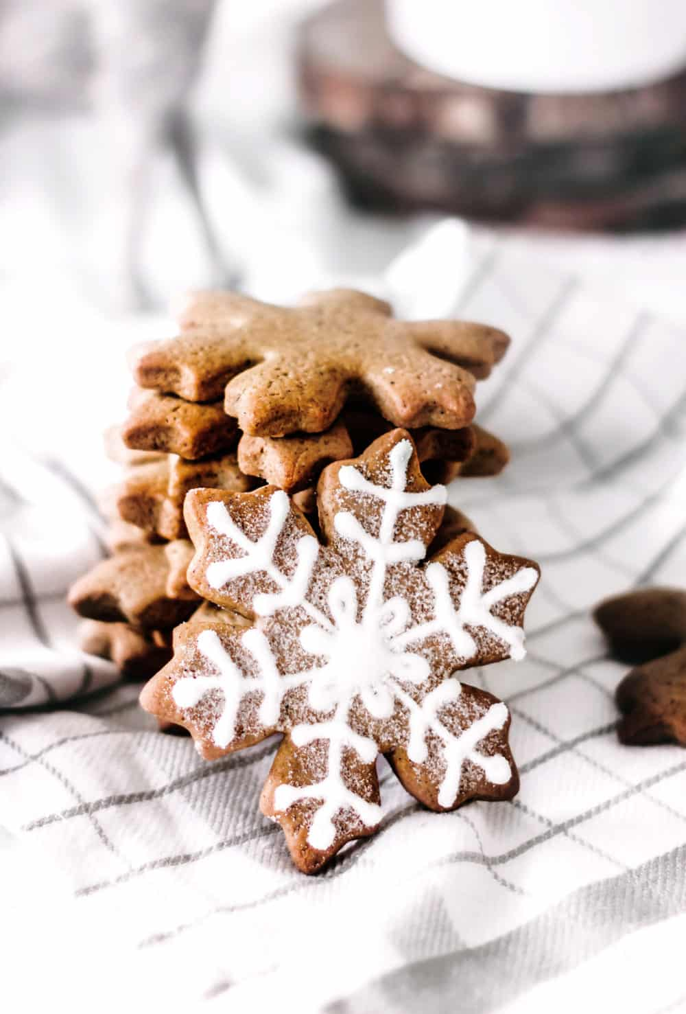 Gingerbread snowflakes cookies